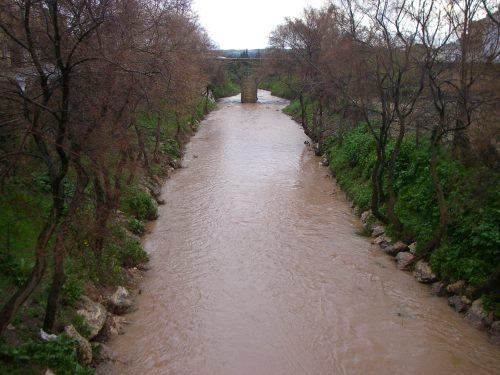 Los Arcos. Situación del cauce del río por la lluvia de esos días.