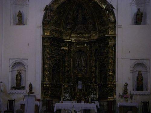 Interior de la Iglesia de Hontanas. Es la primera vez que vi esta Igleisa abiera.