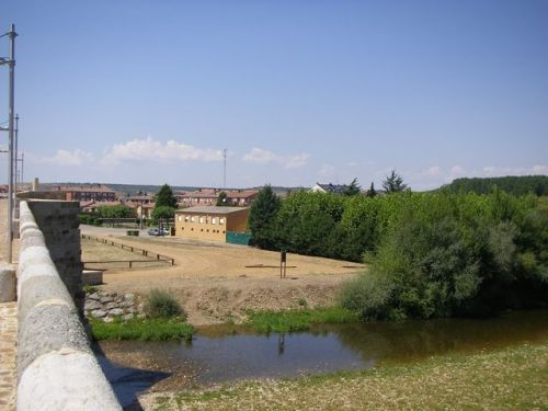 Vista de Hospital de Órbigo y el río Órbigo