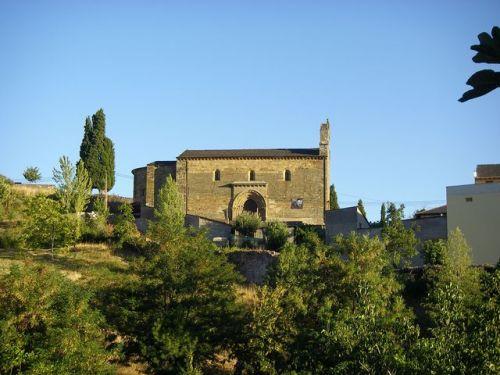 Vista de la Puerta del Perdón de la Iglesia de Santiago. Villafrancia del Bierzo.