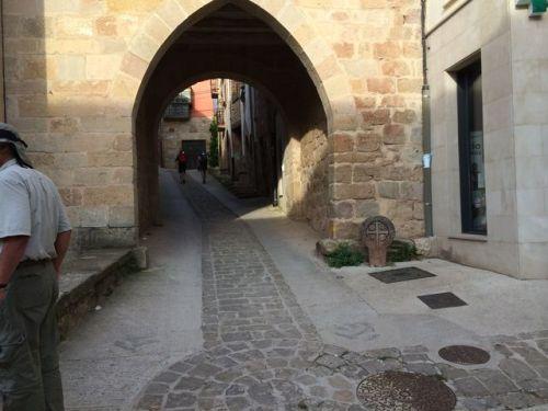 Cirauqui. Puerta Ojival