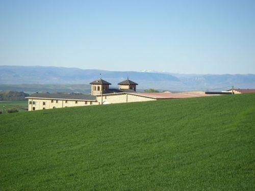Villamayro de Mojardin. Bodegas