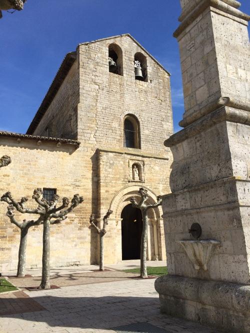 Carrióin de los Condes.. Vista Iglesia Santa María del Camino