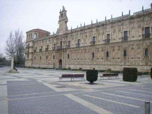 León. Hostal San Marcos. Plaza